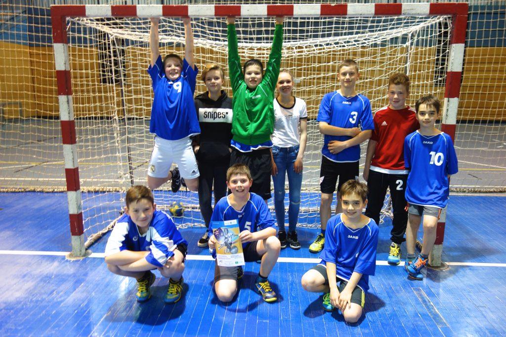 """""""Wir sind ein TEAM!!!"""" – Handball am HLG"""