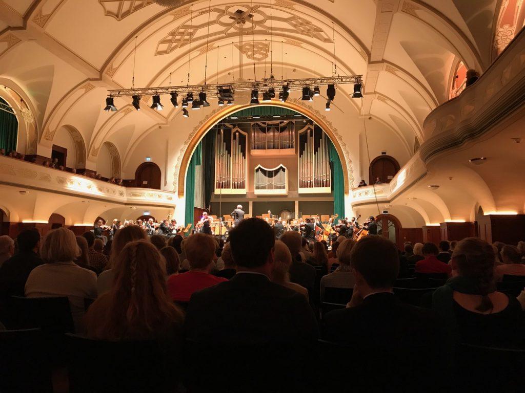 Musikkurs 11 präsentiert Ausstellung im Volkshaus Jena